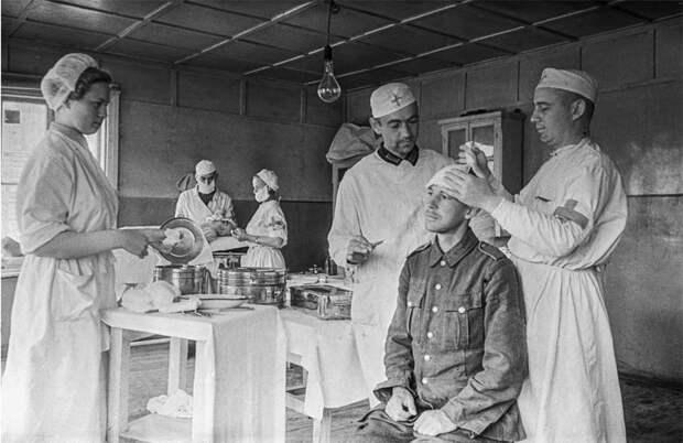 Солдаты вермахта в советском плену.
