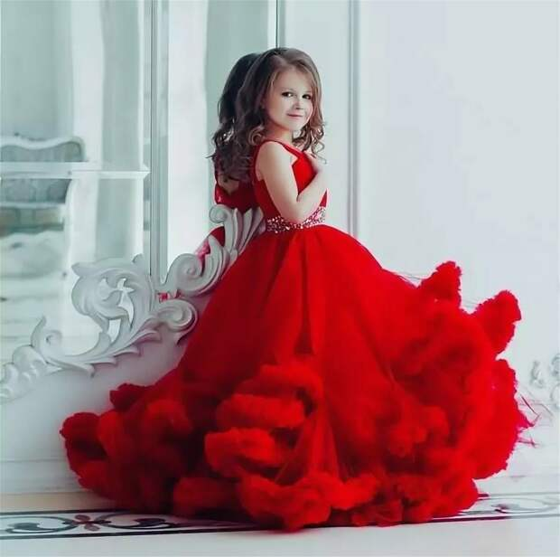 Картинки по запросу Праздничные платья для дочек и внучек.