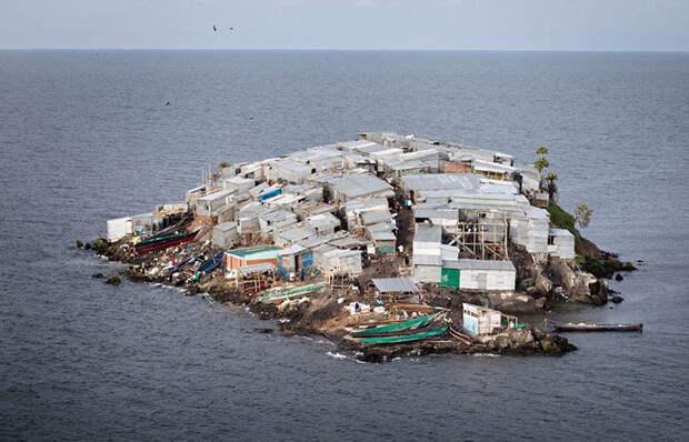 Демократия по-африкански: вот как живут люди на самом густонаселенном острове в мире