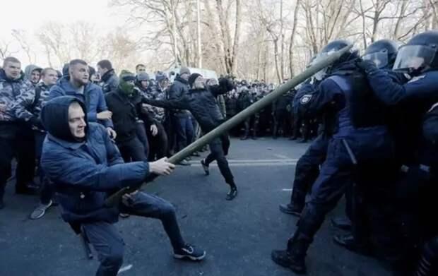 Беларусь и Украина: почему не прокатил сценарий цветной революции?