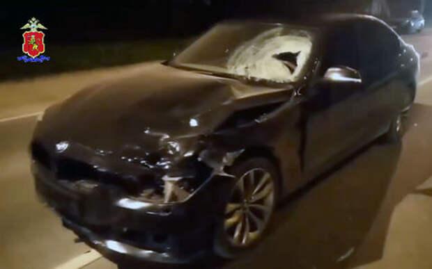 Молодой лихач на BMW сбил двух детей