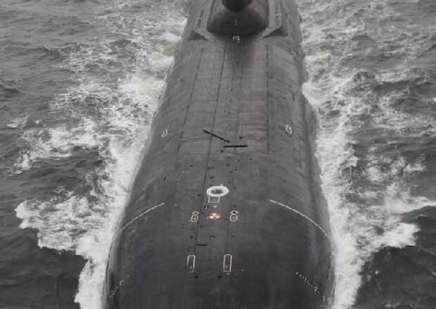 Противолодочные корабли «Нарьян-Мар» и «Онега» «уничтожили» подводную лодку в Белом море