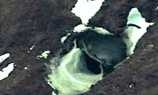 5 необъяснимых фото Антарктиды: сняли из космоса