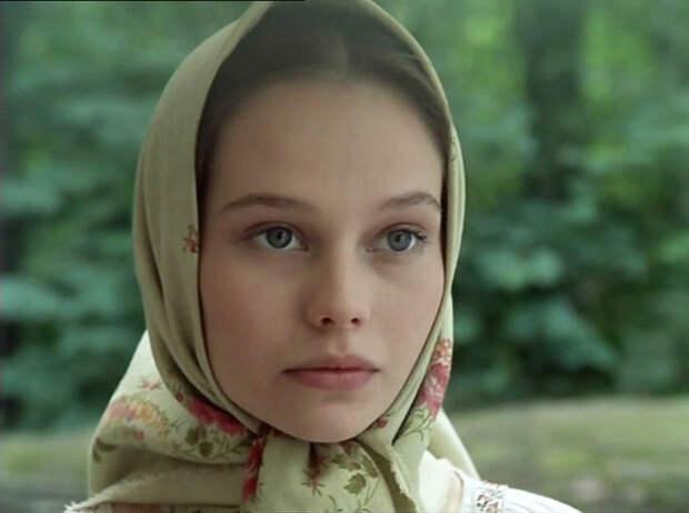 Елена Корикова барышня-крестьянка