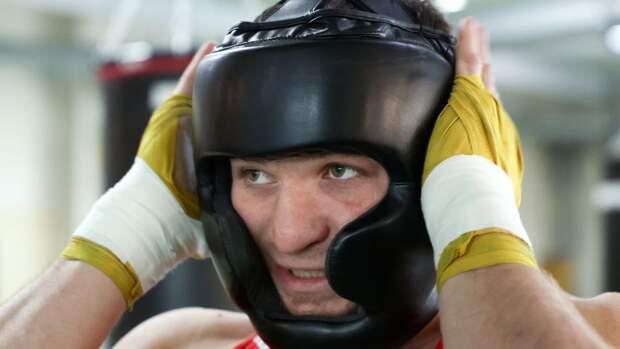 Бронзовый призер ОИ Хатаев раскритиковал судейство на турнире по боксу