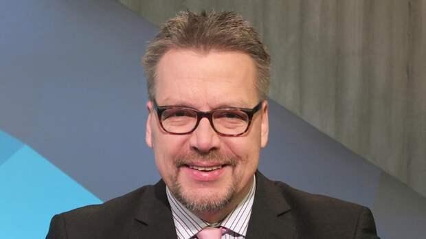 Немецкий политолог: американские бомбардировки несут добро — в отличие от русских