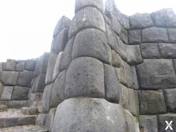 Загадки каменных стен Саксайуамана