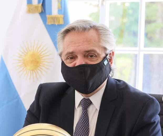 Привитый «Спутником V» президент Аргентины заразился COVID-19