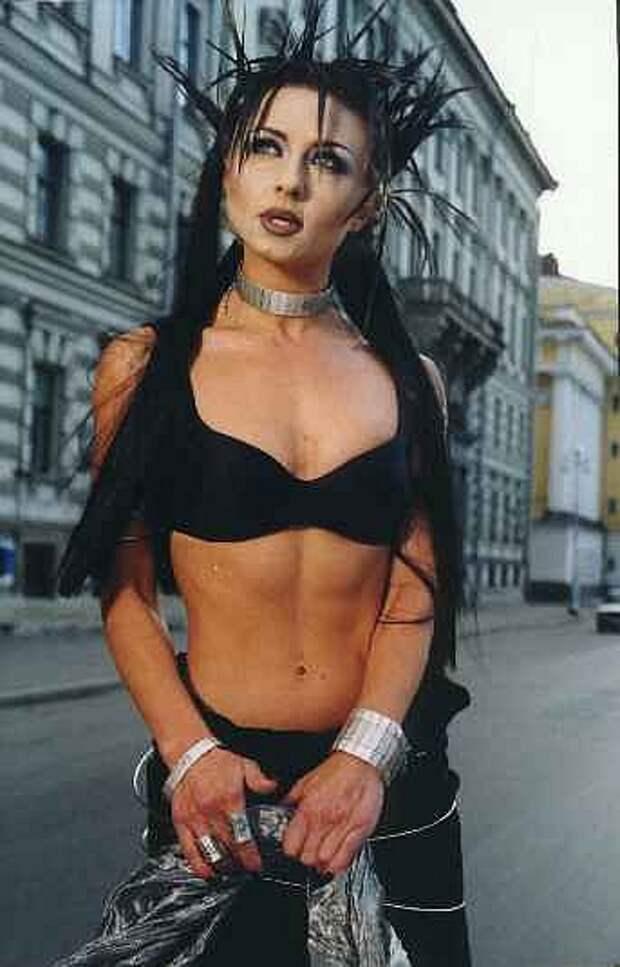 Популярная в 90-ых певица Татьяна Овсиенко во всей своей красе.