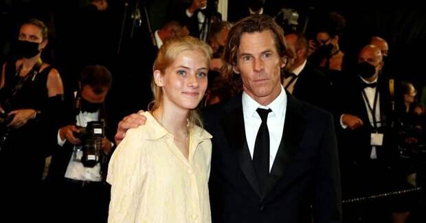 16-летняя дочь Джулии Робертс поддержала отца в Каннах