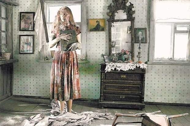 Окаменевшая Зоя стала прообразом героини худ. фильма «Чудо» режиссёра Александра Прошкина.