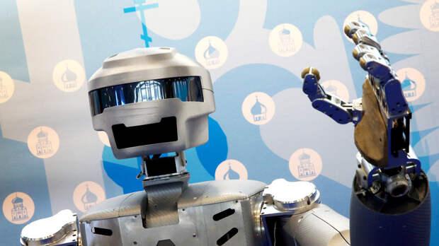 Познакомьтесь с роботом Федором – он стреляет с двух рук и полетит в космос