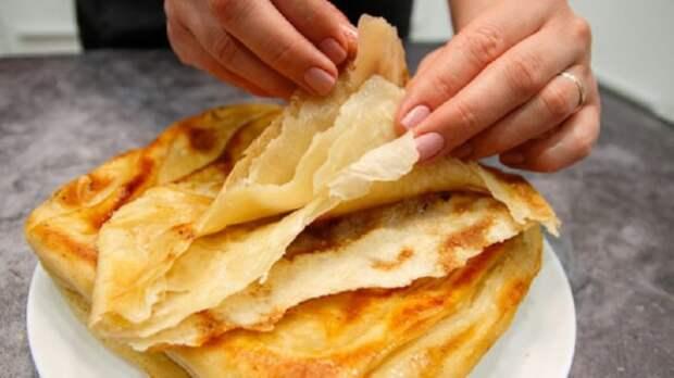 Мука и кипяток: часто готовлю такие слоёные лепёшки вместо хлеба