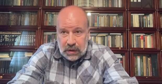 Политолог раскритиковал появление Дани Милохина на ПМЭФ