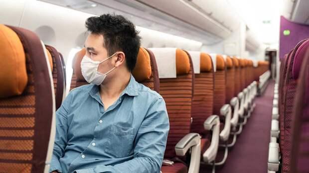 Самое безопасное место в салоне самолета назвали ученые