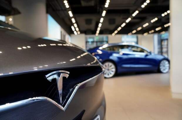Маск: Tesla откладывает тестирование новой версии автопилота