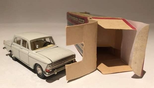 Эту модель «Москвича-412» продали на интернет-аукционе за 26.302 рубля авто, автомобили, коллекционирование, масштабная модель, моделизм, модель автомобиля, хобби