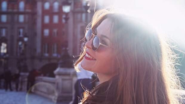 Российский офтальмолог предупредил о риске навредить зрению солнцезащитными очками