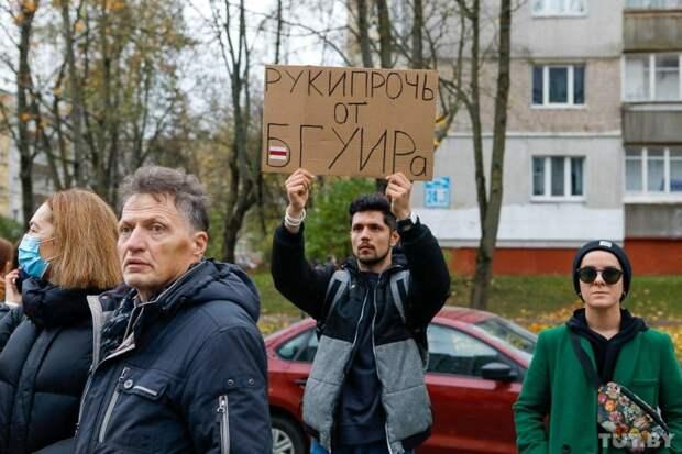 «Мы в плен никого не берём. Дальше — всё. Нам отступать некуда». Лукашенко объявил войну протестующим