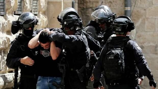 Арабские жители городов насевере Израиля начали уличные беспорядки