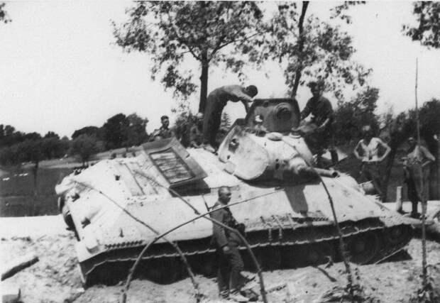 Смертельный марш. Танковое сражение в районе Дубно - Броды