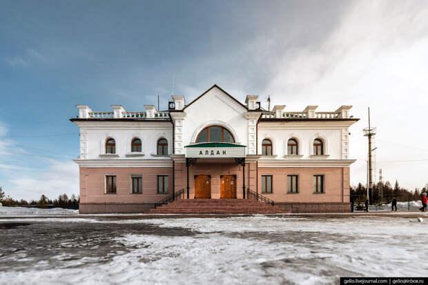 Стрелой горящей поезд режет темноту: железные дороги Якутии