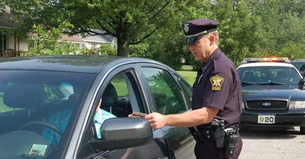 Водитель оригинально объяснил полиции, почему превысил скорость