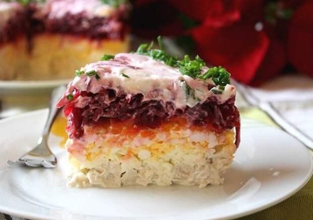 """Слоёный салат """"Мой генерал"""" - альтернативный вариант селедки под шубой."""