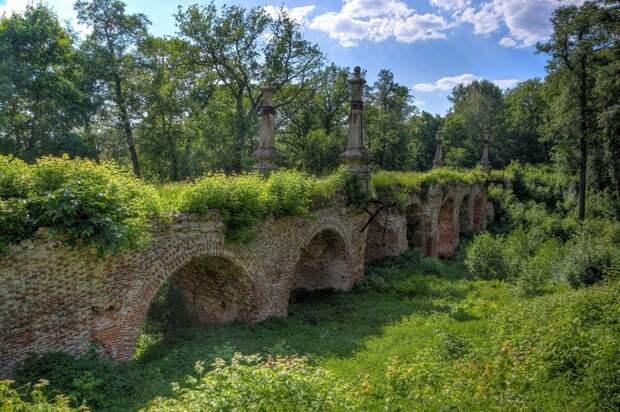 Разрушенный, заросший мост в лесу, в Кирицах Рязанской области, Владимир Мулдер заброшенные здания, маяк, просторы, россия, церкви