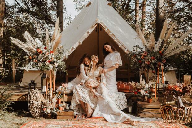 Платье подружек невесты.