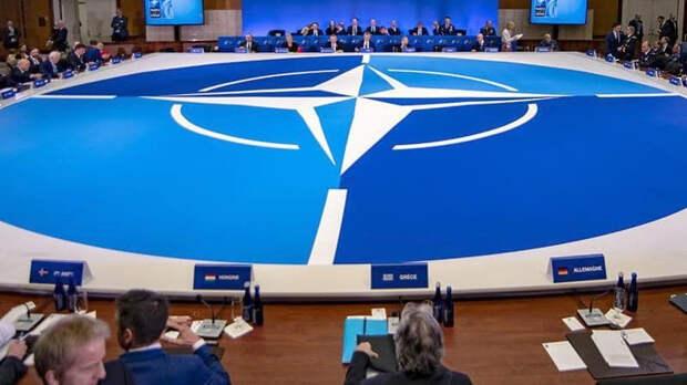 НАТО сожалеет из-за выхода России из Договора по открытому небу