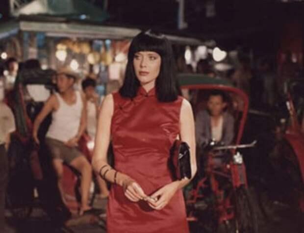 Сильвия Кристель в фильме *Эммануэль*, 1974 | Фото: kino-teatr.ru