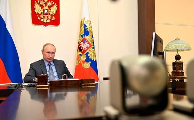 Страдающие хроническими болезнями люди не должны задыхаться из-за последствий лесных пожаров, заявил Путин