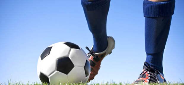 Почему футболисты используют гетры, а не гольфы или носки?