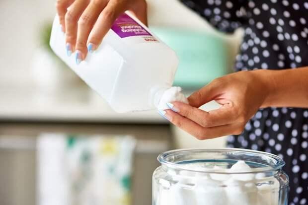 Медицинский спирт отличное средство для уборки, но вот 6 вещей которые вы никогда не должны с ним делать
