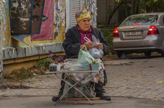 Дадут каждому: новые 10 тысяч рублей начнут получать теперь пенсионеры