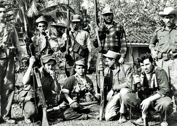 """""""Тридцатьчетверка"""" за океаном. Как легендарный советский танк помог кубинцам разбить десант ЦРУ в заливе Свиней, 60 лет назад."""