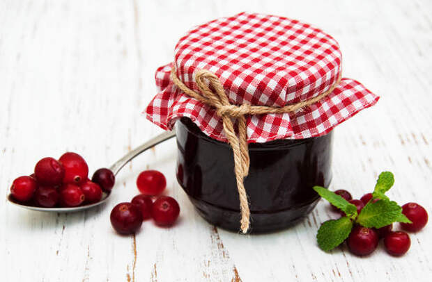 Варенье из кабачков с клюквой и черносливом