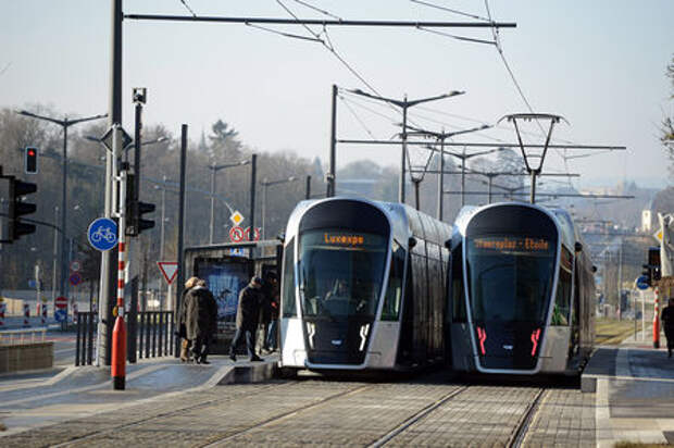 Дмитрий Рогозин решил делать беспилотные трамваи. В них можно сдать… анализы