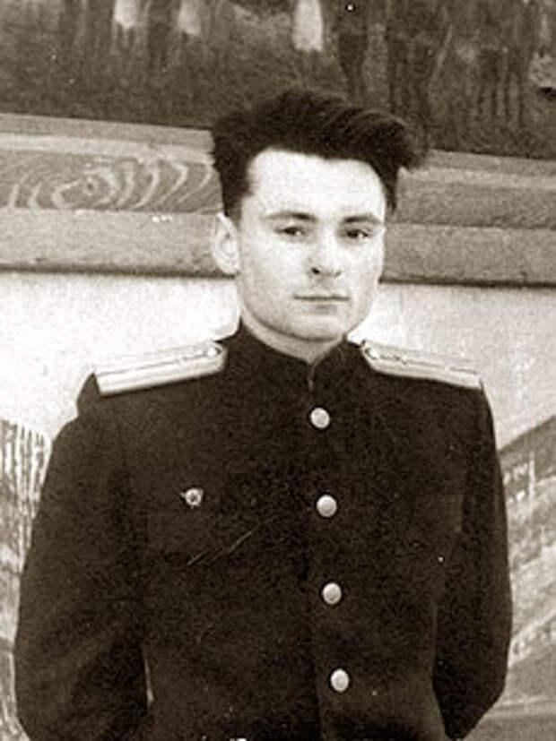 Олег Юрцев (в молодости)