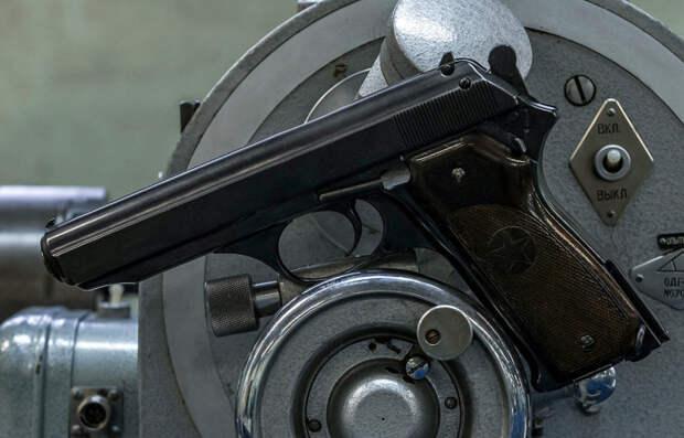 Потребность в автоматическом пистолете назрела после Второй мировой войны. |Фото: war-time.ru.