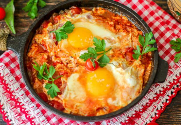 Царская яичница из десятка яиц: так едят в деревне
