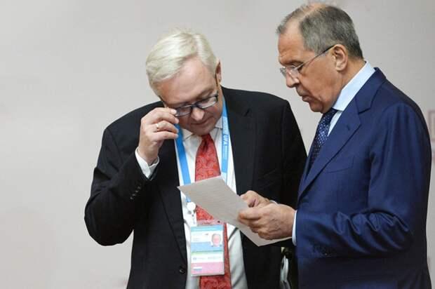 Путин не уступает ни США, ни ЕС, но его позиции  слабее не становятся, где крах?