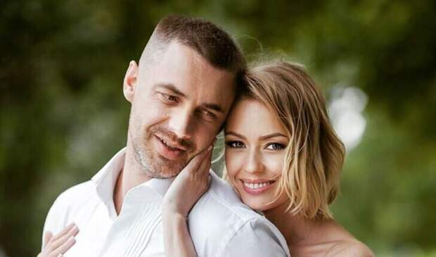 «Мы поняли, что не подходим друг другу»: Антон Батырев о разводе с Евгенией Лозой