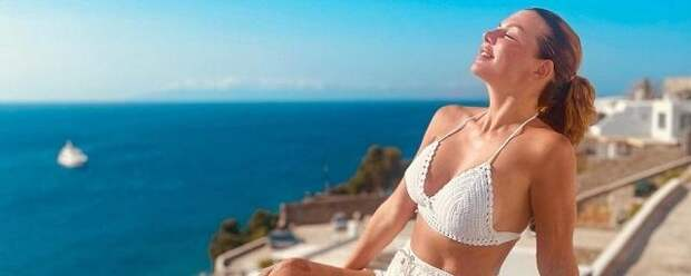 Анна Седокова во время отпуска поправилась на 6 кг