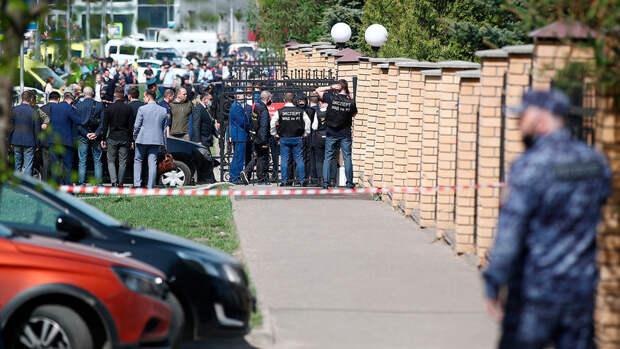 Жертвой стрельбы в казанской школе стала учитель английского языка