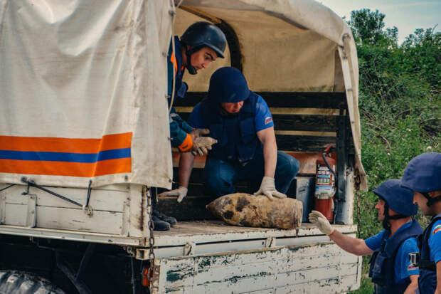 Пять авиабомб взорвали в Севастополе