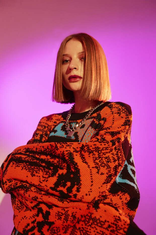 Певица ooes – о своем треке «Зима», отношении к поп...