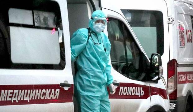 Фельдшер скорой помощи о ситуации с COVID-19 в Москве: Становится только хуже