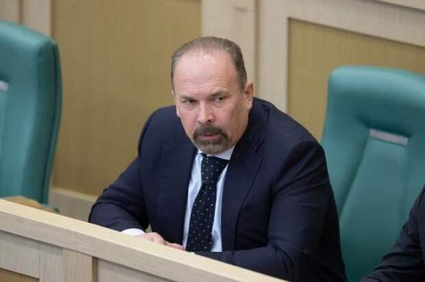 ТАСС: Аудитор Счетной палаты Михаил Мень подал заявление об отставке